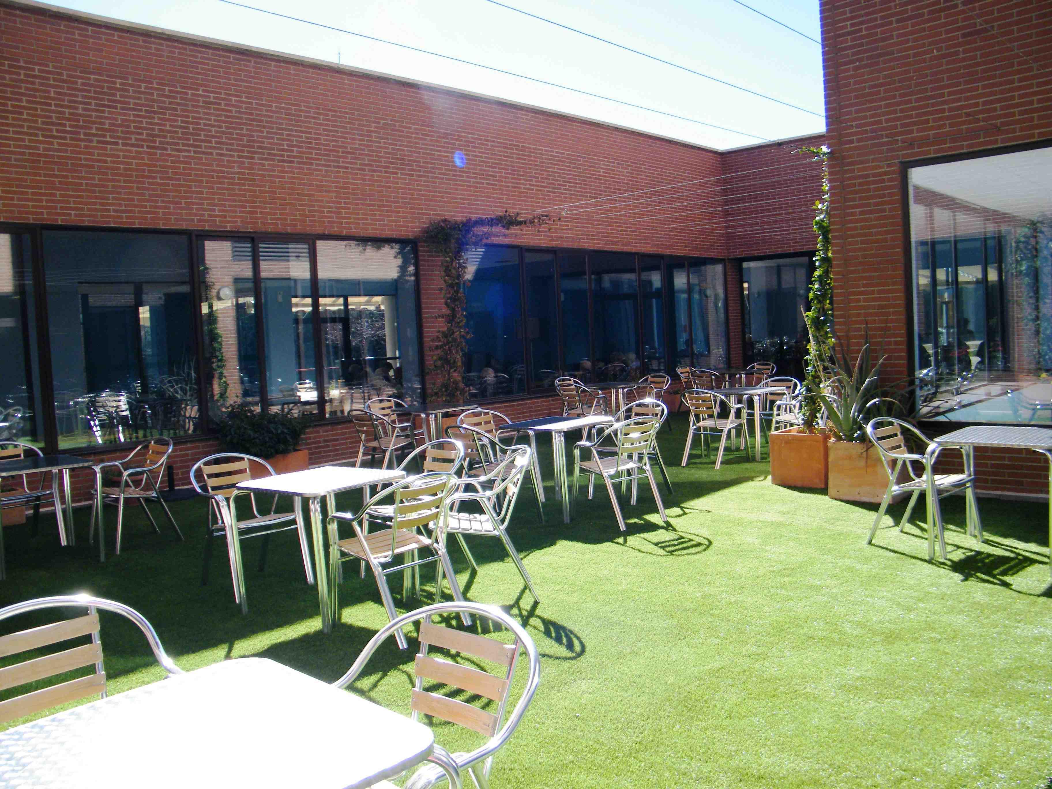 Nuevo patio ingl s en residencia albertia valle de la - Patio ingles ...
