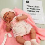 terapia con muñecas residencia mayores demencia madrid albertia