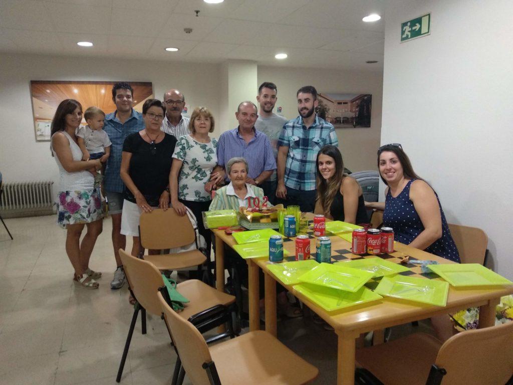 Residencia de mayores de Villaverde albertia cumpleaños centenario