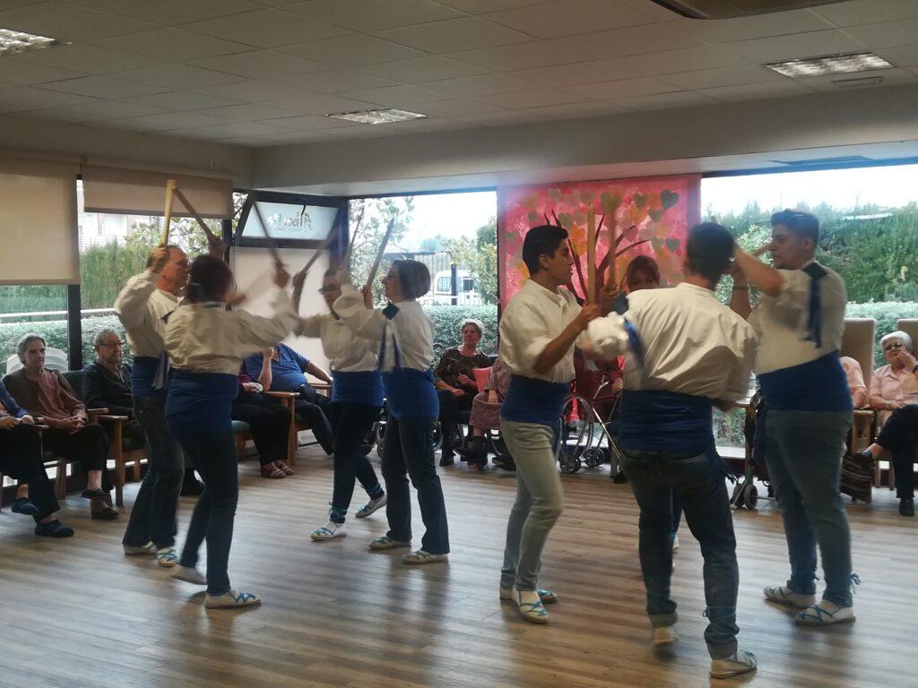 danzantes residencia mayores albertia el moreral zaragoza