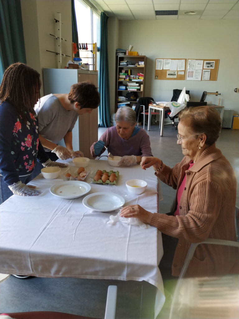 TORRIJAS taller de cocina residencia mayores albertia las vegas ciempozuelos