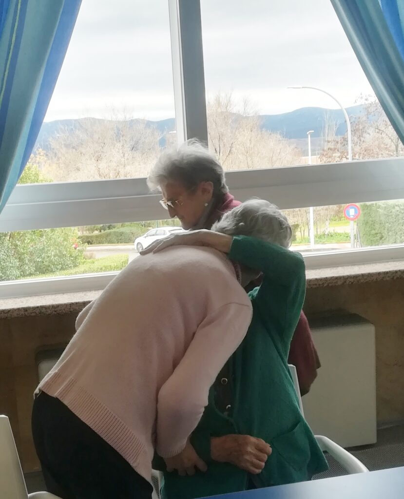 abrazoterapia residencia personas mayores albertia puertollano