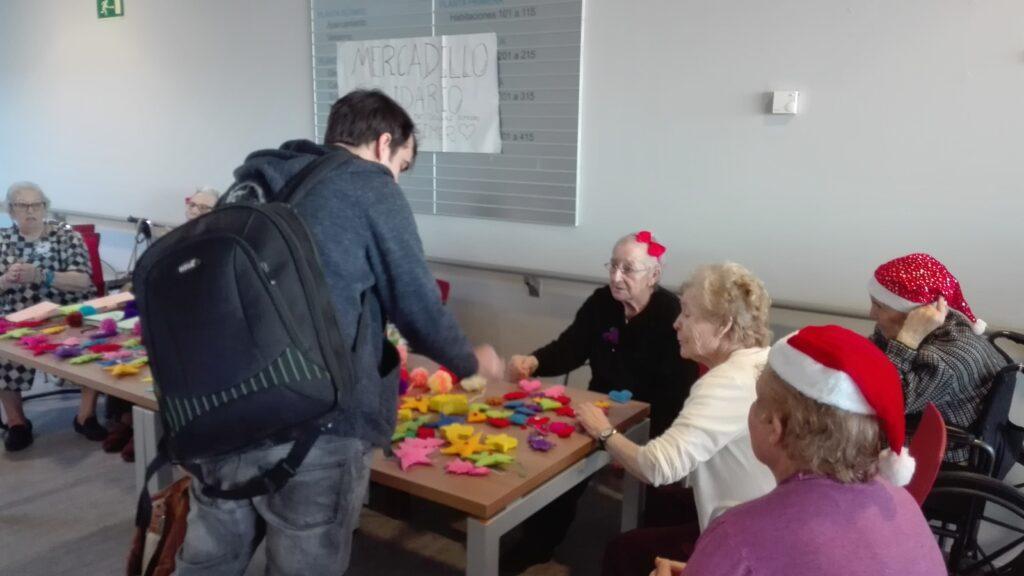 mercadillo solidario alzheimer albertia